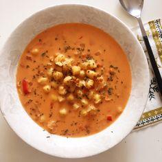 Sopa de garbanzos  con leche de coco Eating Well, Diet, Cooking, Ethnic Recipes, Health, Soups, Drinks, Vegetarian, Gourmet