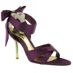 normally im not a bow chick....but i like these!