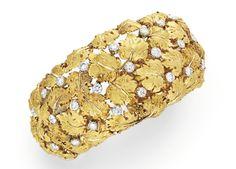 Lot 244 - A DIAMOND AND GOLD CUFF BRACELET, BY BUCCELLATI