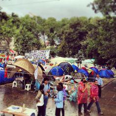 Twitter / suyorumcusu: Gezi'ye yağmurluk, yiyecek, ...