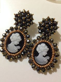 Embroidery aretes cristal