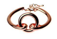 BRACELET LONGUEUR 13cm LARGEUR 0.5CM EXTENSIBLE DE 3cm LONGUEUR AJUSTABLE DIMENSION 2.5x2CM METAL OR ROSE http://www.majiquejewellery.fr/summer-2014-collection/bracelets/06188bl-rsegld-61840.aspx