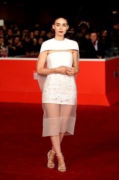 Rooney Mara en un look SS14 de Balenciaga, en la premiere del filme 'Her', en el 8° Festival de Cine de Roma, el 10 de noviembre del 2013.