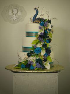 Peacock wedding cake                                                       … Peacock Wedding Cake, Peacock Cake, Peacock Decor, Peacock Wedding Decorations, Peacock Wedding Dresses, Peacock Centerpieces, Rustic Cake Toppers, Dream Cake, Elegant Wedding Cakes