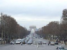 Arc de Triomphe travel