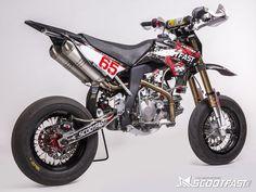 Cette pitbike YCF SP3 a été préparée par ScootFast pour les courses d'endurance