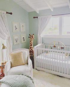 Unique Baby Boy Nursery Room Design Ideas With Animal That So Cute 05 Bebek Odası Baby Animal Nursery, Baby Boy Nursery Themes, Baby Room Decor, Baby Boy Nurseries, Baby Animals, Themed Nursery, Baby Cribs, Baby Bedroom, Nursery Room