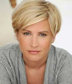 Short Haircuts for Women Over 40-8