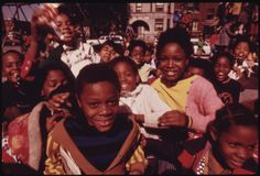 Theseamazing color photos show the spirit and struggle of African-American people in Chicago in the early They were all taken by . South Side Chicago, Chicago Magazine, African American History, Black Kids, Black People, Black Is Beautiful, Beautiful People, Back In The Day, Black History