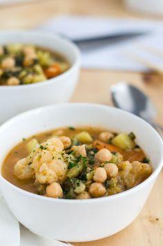 leichtes rotes Curry mit viel Gemüse. Einfach gemacht, lecker und wärmend. Recipe also in english. http://www.einepriselecker.de
