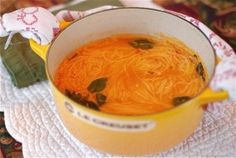 If you are looking for soup recipes that are healthy and filling without the fat here is a great selection of recipes the whole family will love.