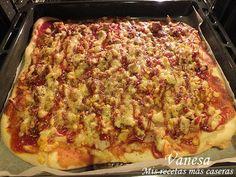 Otra pizza más, esta es la otra que preparé junto con la pizza trópical de piña y plátano .   Me encanta la pizza, y esta es una de mis favo...