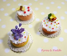 Set of 3 magnets cakes food amigurumi crochet with di PyrosePatch
