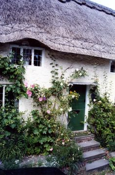 Amberly village has many quaint, thatch-roofed houses | by Nealy-J
