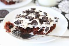 Cookies 'n Cream Sheet Cake | Two Peas and Their Pod #recipe