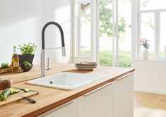 Uberlegen Grohe Concetto Semi Pro Black Kitchen Faucet Single Hole InstallationGROHE  SilkMove Ceramic Degree Swivel RadiusDual Spray With Toggle FunctionMax  Flow ...
