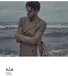 "Ivan Rasic no Instagram: ""回归之旅 Esquire China January ISSUE 2016  @adeleobice @albertoraviglione  @ivanrasicstylist  @mimmodimaggio  @esquire_cn  @camisalls #ivan #ivanrasic #ivanrasicstylist #stylist #fashion #fun #boy #amazing #srbija #milano #italy #italia #2016 #sea #rain #storm #winter #coat #sand #blue #mensfashion #men #esquire #esquirechina #china #prada #gucci #trussardi"""