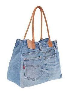 Výsledok vyhľadávania obrázkov pre dopyt artesanato com retalhos de jeans passo a passo Denim Tote Bags, Denim Purse, Blue Jean Purses, Denim Ideas, Denim Crafts, Fabric Bags, Handmade Bags, Handmade Handbags, Handmade Leather