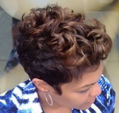 Cute and Beautiful Natural Curly Hairstyles For Black Women. Step-by-step pictures, guides and video tutorials on how to style your curly hair. Short Sassy Hair, Cute Hairstyles For Short Hair, Short Hair Cuts, Curly Hair Styles, Natural Hair Styles, Pixie Styles, Short Styles, Pixie Cuts, Bob Hairstyle