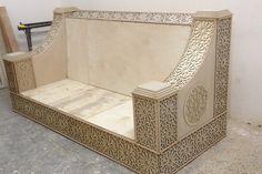 Dream Furniture, Shabby Chic Furniture, Table Furniture, Living Room Sofa Design, Living Room Designs, Industrial Console Tables, Arabic Decor, Wooden Sofa Designs, Simple Sofa