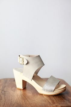 Bryr for Mavenhaus Collective    Miranda Sandal in Bone and Champagne Shimmer