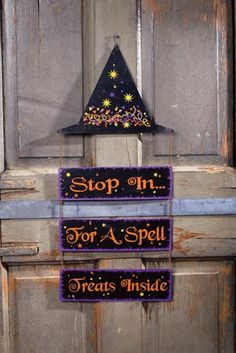 year round lol for me I'm sure it will go great with my broom Halloween Signs, Diy Halloween Decorations, Happy Halloween, Halloween Party, Halloween Ideas, Holiday Crafts, Holiday Fun, Holiday Ideas, Door Hangers