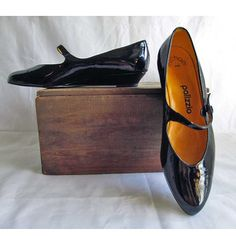 8N Black Patent Leather Shoes by Palizzio. Vintage 1960's Made in Spain. $31.00, via Etsy.
