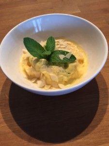 Recept: Frozen yoghurt van perzik met amandel