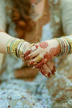Health, Fashion, Mehindi, Dressing : Mehindi design for Eid lovely 😘😘 Stylish Mehndi Designs, Beautiful Mehndi Design, Wedding Mehndi, Bridal Mehndi, Mehendi, Moda Indiana, Pre Wedding Poses, Wedding Ideas, Mahendi Design