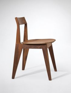 Chair Design Ideas Woodworking is a multifaceted craft that can result in many beautiful and useful pieces. If you are looking to learn about woodworking, then you have came to the right place. Steel Furniture, New Furniture, Furniture Design, Wooden Chair Plans, Chair Design Wooden, Mid Century Modern Living Room, Japanese Interior, Built In Bookcase, Exposed Wood