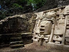 Lamanai es una de las más importantes zonas arqueológicas mayas de Belize