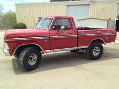 1976 F-100 4x4 by Ken McKinney by Rock Solid Off-Road in San Jacinto CA . Click to view more photos and mod info.