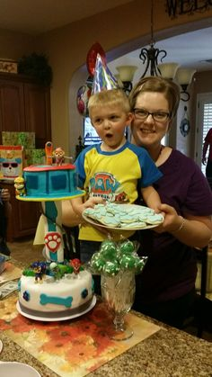 Paw patrol tower cake www.facebook.com/day.dream.cupcakes