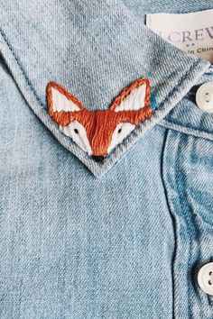 Embroidered fox collar #embroidery Got a little fox on my collar , mais petit prince pourquoi m'apprivoise -tu donc pas.