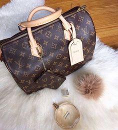 397 best Handbag Heaven images on Pinterest  d451685784d26