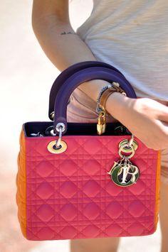 Partez au soleil avec ce Lady Dior coloré à retrouver en ligne www.leasyluxe.com #lifestyle #amazing #leasyluxe                                                                                                                                                                                 Plus