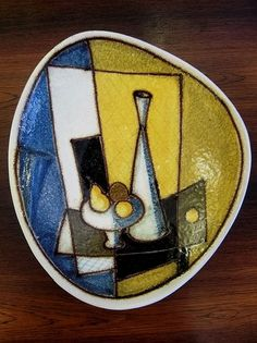 Cubist still life ceramic bowl plaque Ceramic Fish, Ceramic Wall Art, Ceramic Birds, Ceramic Clay, Ceramic Plates, Vintage Pottery, Pottery Art, Pottery Ideas, Vintage Wall Art