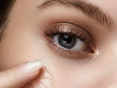 Von Hyaluron bis Vitamin C: Diese Wirkstoffe machen schöne Haut