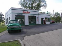 Vintage 50's - 60's Sinclair Gas Station | For B Bodies Only ...