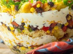 8 Ridiculously Delicious Dishes That Start With A Box Of Cornbread – 12 Tomatoes Cornbread Chicken Casserole, Chili And Cornbread, Cornbread Mix, Cornbread Salad, Sweet Cornbread, Casserole Dishes, Homemade Cornbread, Cornbread Recipes, Salads