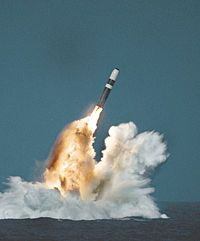 El Trident II D5 es un misil balístico intercontinental para submarinos (SLBM) con cabezas nucleares de nacionalidad estadounidense. Constituyen una parte fundamental de la fuerza nuclear de disuasión de los Estados Unidos y del Reino Unido.  Con una capacidad de distancia de más de 12000 km cada misil es capaz de lanzar hasta 12 cabezas MIRV contra 12 objetivos distintos.