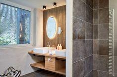 Die Badezimmer der neuen Zimmerkategorien Bathroom Lighting, Modern, Mirror, Furniture, Home Decor, Double Room, Bath Room, Bathroom Light Fittings, Homemade Home Decor