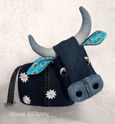 Denim Handbags, Ceramic Birds, Fabric Toys, Recycle Jeans, Upcycled Crafts, Stuffed Toys Patterns, Embroidery Art, Handmade Art, Pet Toys