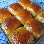 Sticky Ham, Pineapple and Cheese Rolls