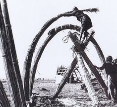 The Marsh Arabs of Southern Iraq bundle reeds together to make larger, stronger elements. figure15 - see references page