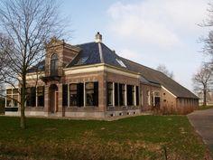 Ruinerwold, Haakswold 12, boerderij met villa-achtig dwarshuis, provinciaal monument