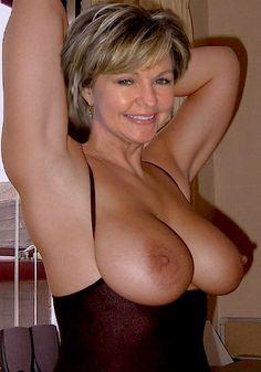 Monja sexy anal