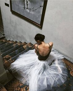 Find images and videos about angel and ballet on We Heart It - the app to get lost in what you love. Ballet Art, Ballet Dancers, Ballerinas, World Ballet Day, Vaganova Ballet Academy, Ballet Dance Photography, Russian Ballet, Montage Photo, Dance Poses