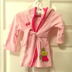 Baby girl's turtle detail robe, 0-9 months Carter's baby girl's pink robe with turtle detail. Towel like material, pink piping, tie waist. 0-9 months. Great condition! Carters Intimates & Sleepwear Robes
