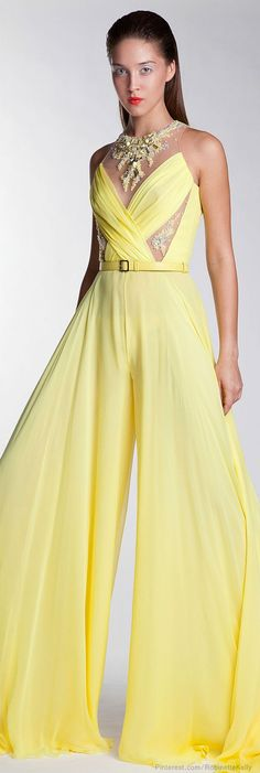 It's time for high fashion. In this post I present you Basil Soda Ready-to-Wear SS He created clothes both for day wear and evening wear. Basil Soda, Yellow Fashion, Mellow Yellow, Beautiful Gowns, Yellow Dress, Homecoming Dresses, Prom Gowns, High Fashion, Net Fashion